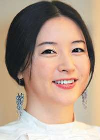 Lee Young Ae (Seo Jang Geum)