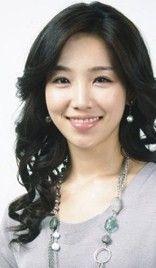 Lee Yoo Ri (Yi Yu Ri)